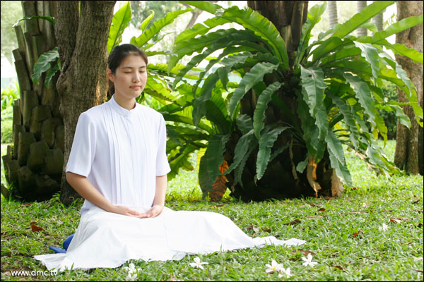 2013-meditation-dmctv-women.jpg