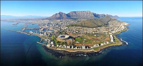 Cape townปลายแหลม คุดโฮป ของทวีปแอฟริกา สุดทวีปของแอฟริกานี้แต่ก่อนจะเดินเรือยุโรปกับเอเชียก็ต้องผ่าน แหลมคุดโฮป