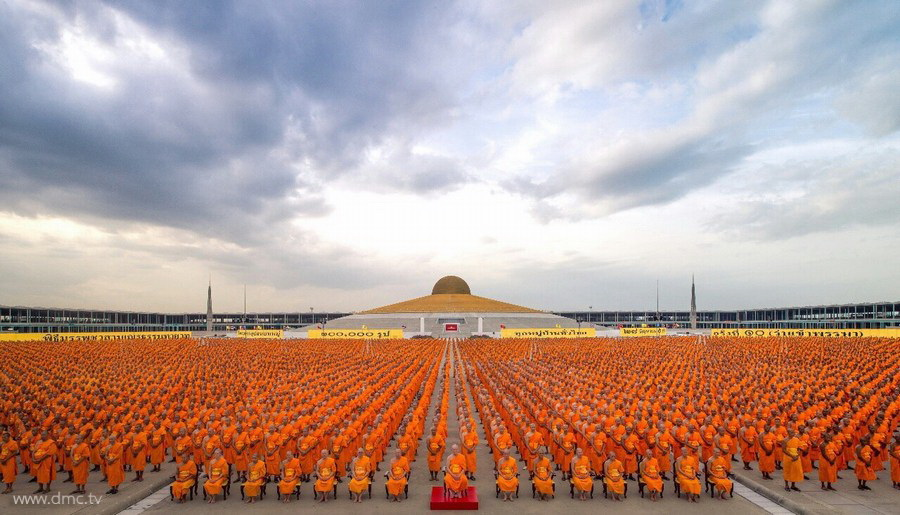 Mass Ordination of 100,000 Monks from Every Village in Thailand
