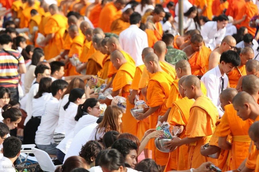 History of the End of Buddhist Lent Day