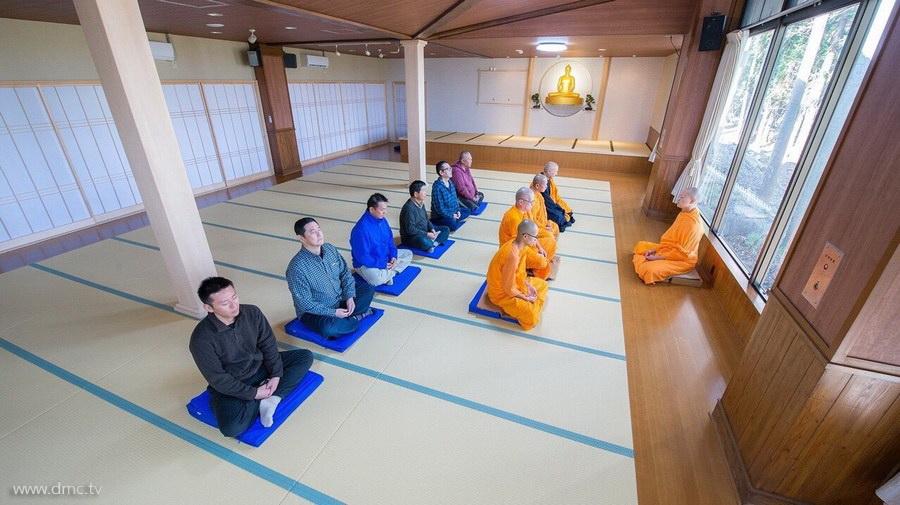 580411-Meditation-retreat-japan_006.jpg