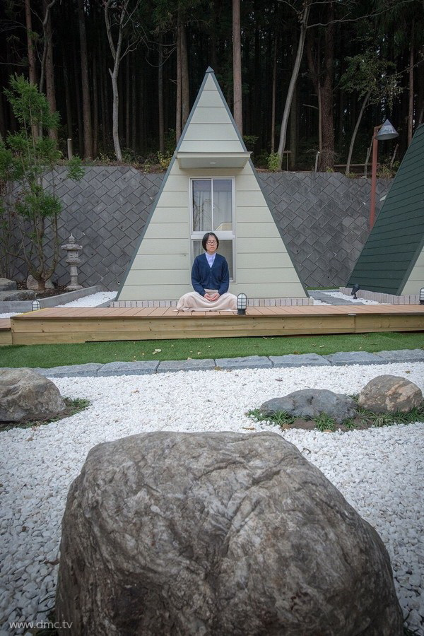 580411-Meditation-retreat-japan_069.jpg