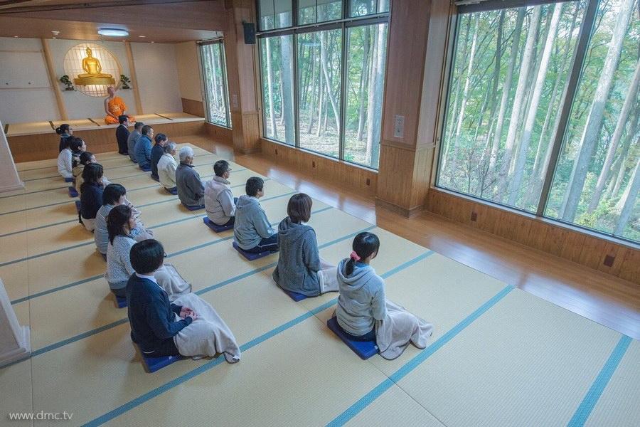 580411-Meditation-retreat-japan_071.jpg