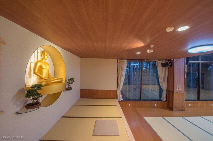 580411-Meditation-retreat-japan_082.jpg
