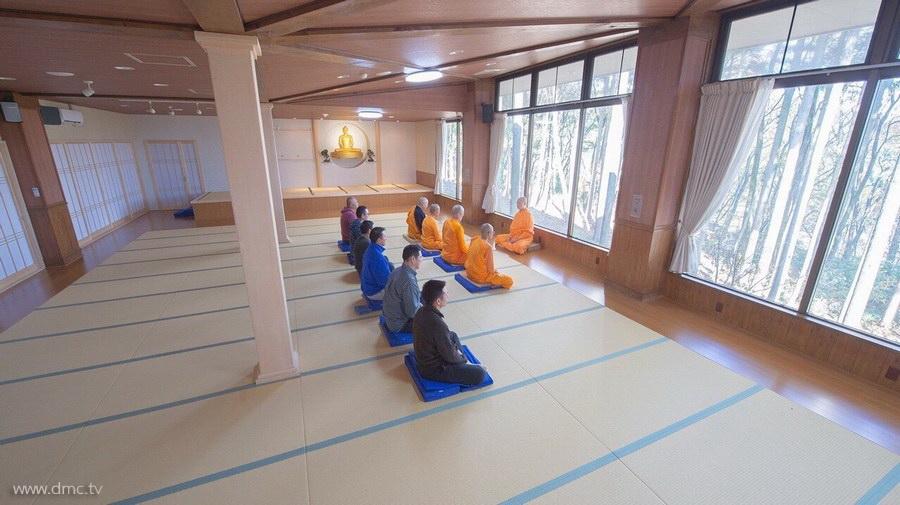 580411-Meditation-retreat-japan_091.jpg