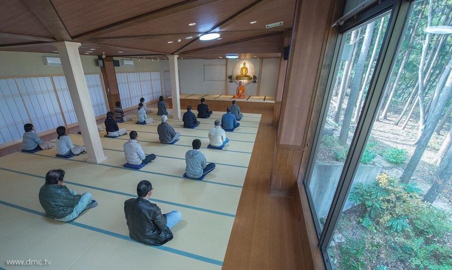 580411-Meditation-retreat-japan_097.jpg