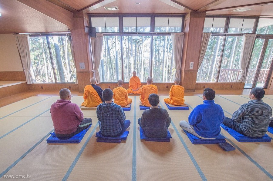 580411-Meditation-retreat-japan_104.jpg