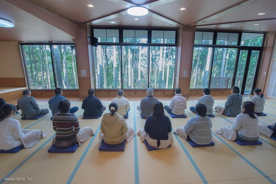 580411-Meditation-retreat-japan_105.jpg