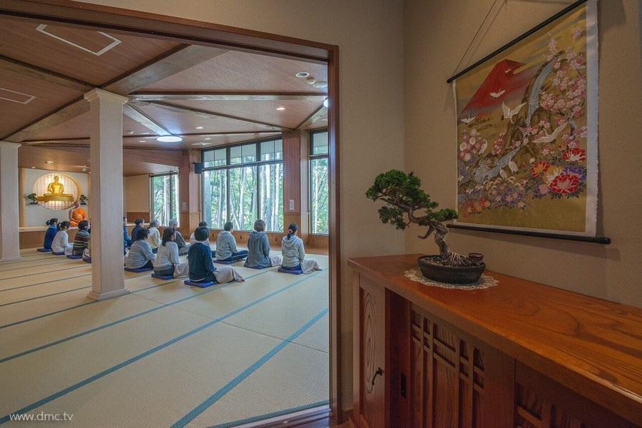 580411-Meditation-retreat-japan_106.jpg