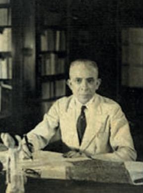 ศาสตราจารย์ยอร์ช เซเดส์ (George Coedes) นักประวัติศาสตร์โบราณคดีชาวฝรั่งเศส