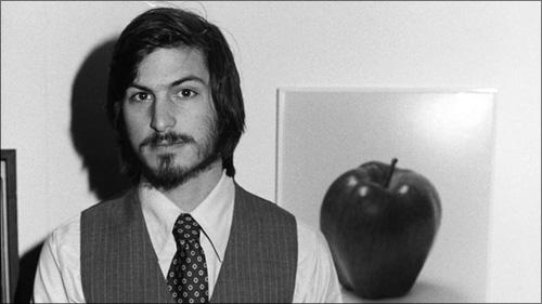 สตีป จอบส์ ผู้ร่วมก่อตั้ง apple
