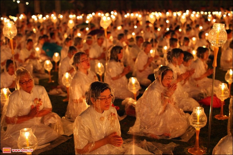 The Photo Collection of VESAK DAY on June 4th, 2012 at Dhammakaya.